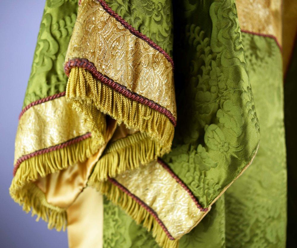 46351-3-vestment-robe-detail sleeve.JPG