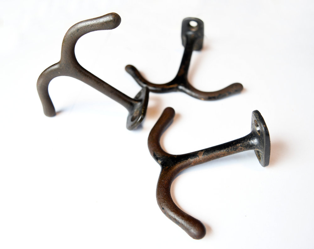 H20207-iron-two-arm-ceiling-hook-2.jpg