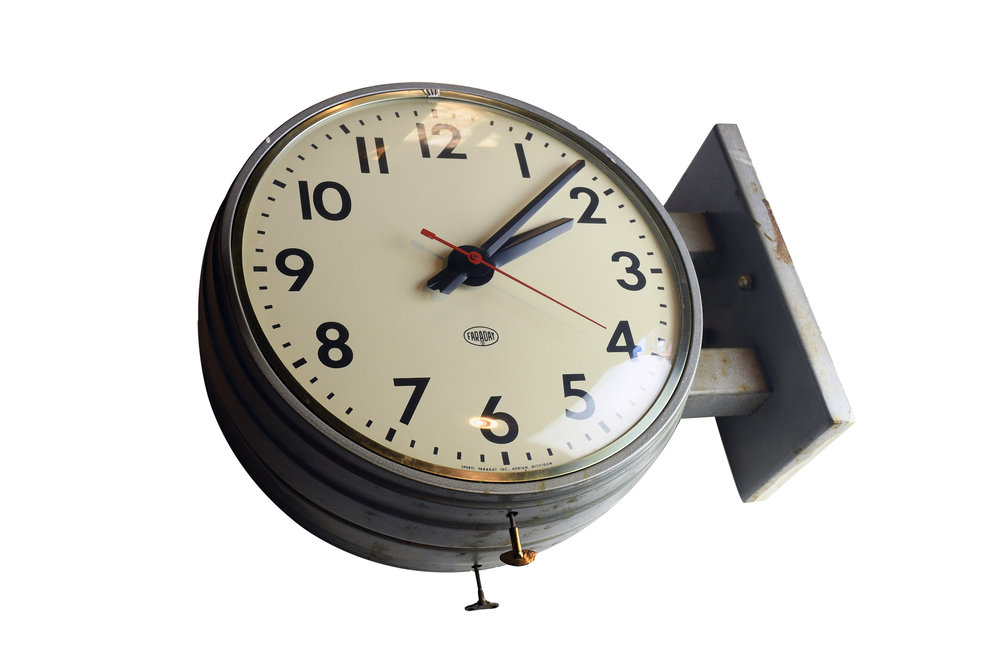 47729-faraday-round-double-sided-clock-13.jpg