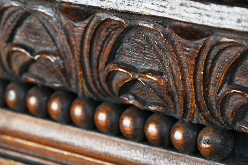 47717-victorian-carved-oak-newel-post-19.jpg