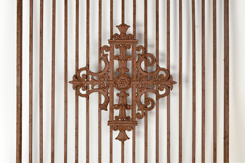 47805-iron-gate-3.jpg