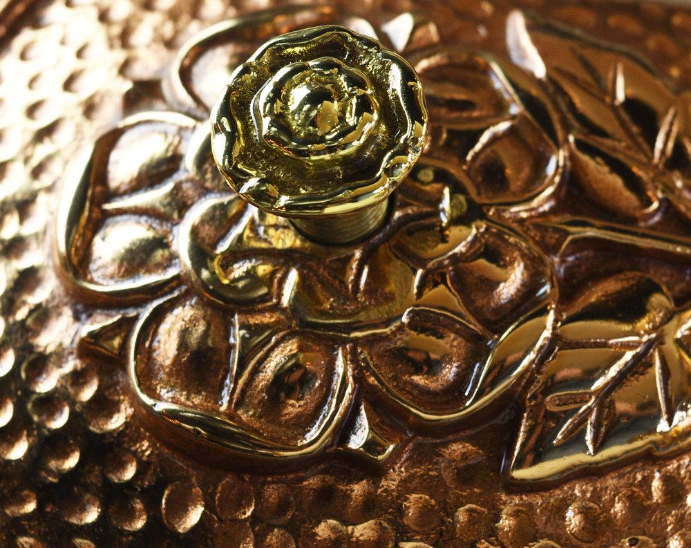 47808-polished-bronze-tudor-sconce-2.jpg