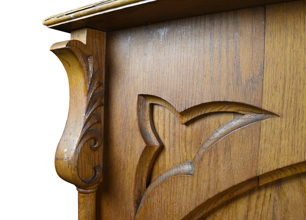 47834-tall-carved-oak-sconce-10.jpg