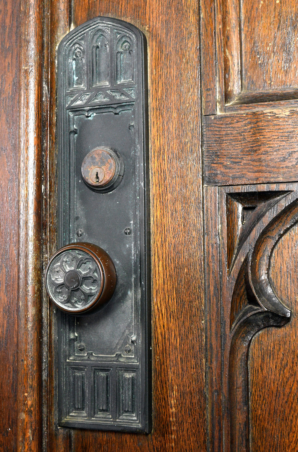 47845-gothic-double-arched-oak-doors-hardware.jpg