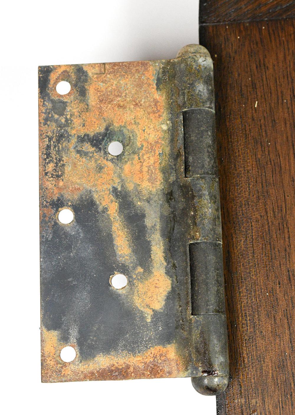 47845-gothic-double-oak-doors-hinge.jpg
