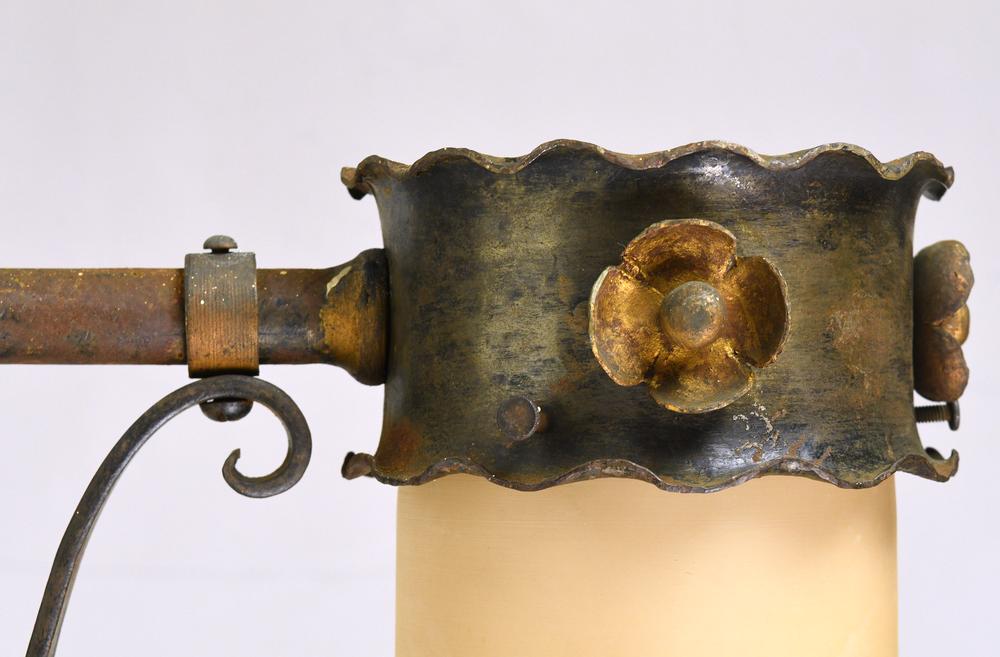 47861-brass-tudor-sconce-detail.png