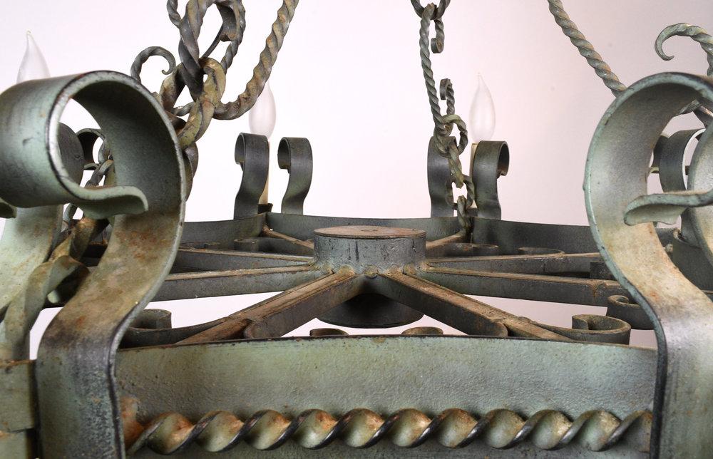 47870-italianate-chandelier-closeup.jpg