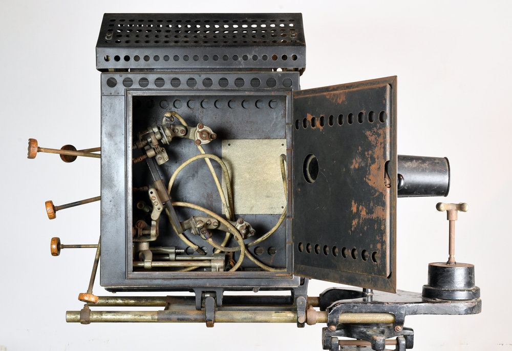 47904-motiograph-projector-interior.jpg