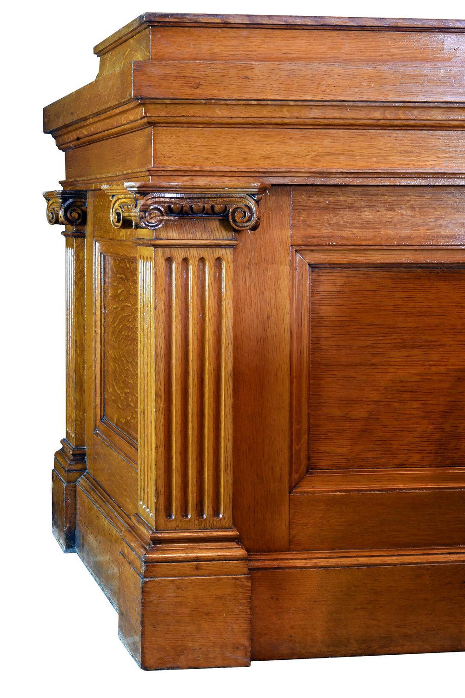 47981-oak-judges-bench-corner-detail.jpg
