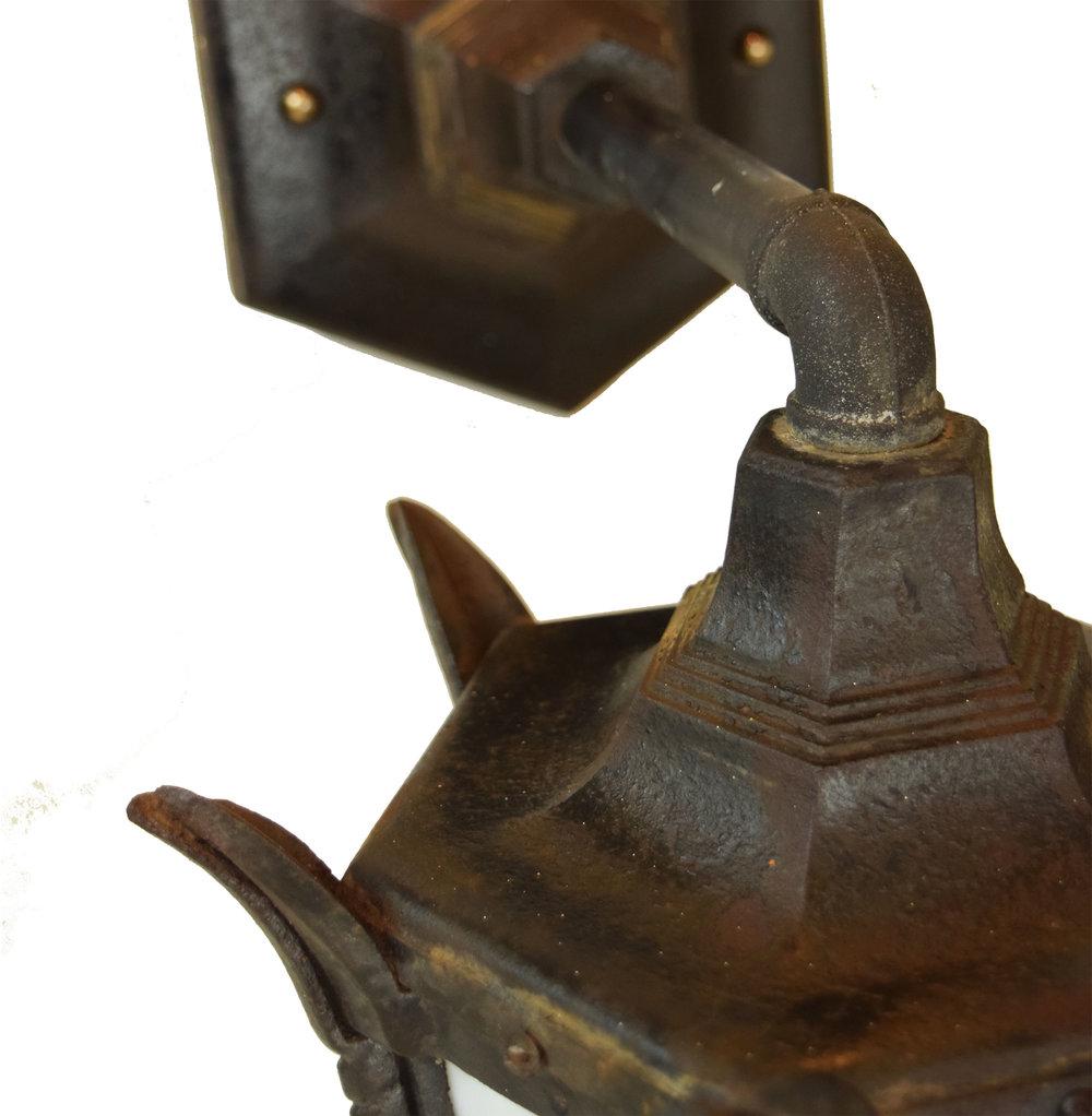 47852 gothic iron lantern top.jpg