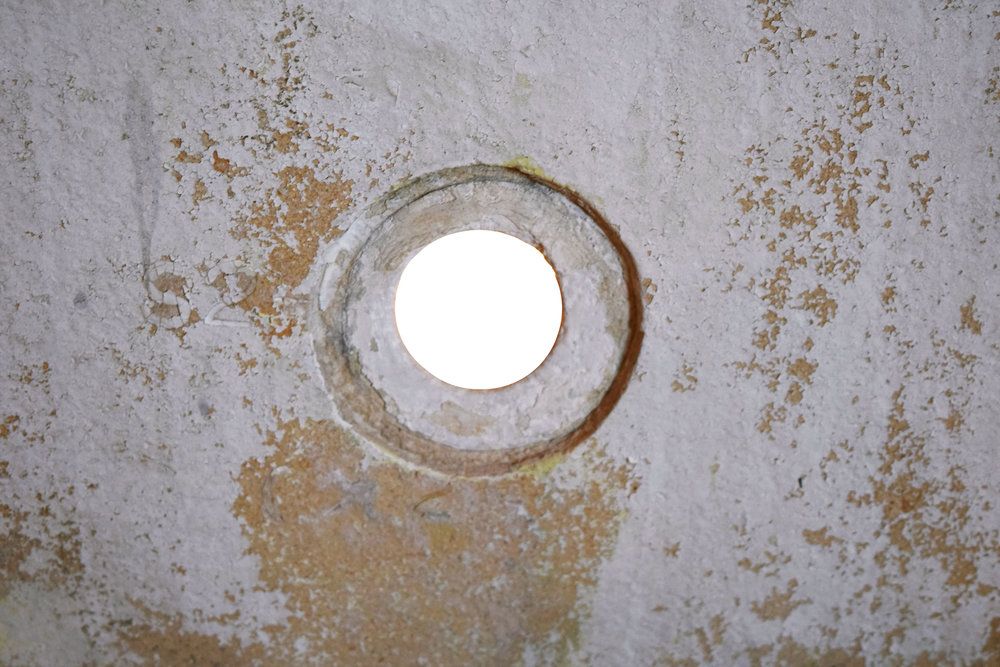 47988 french tub exterior hole.jpg
