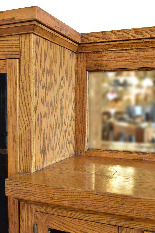 48101_oak_craftsman_buffet_detail2.jpg