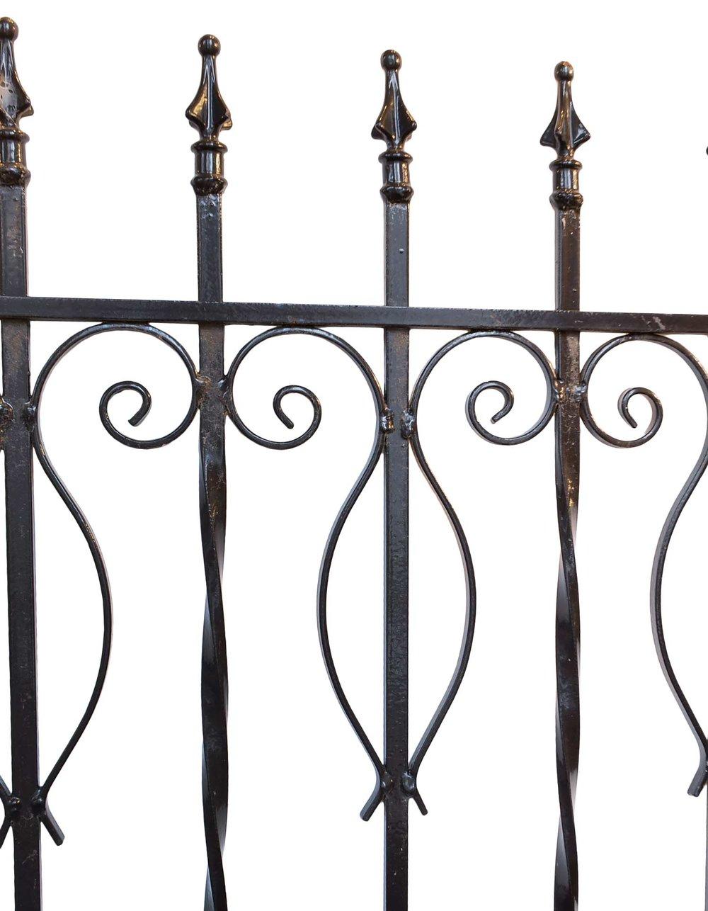 42878-iron-driveway-gate-top-detail.jpg