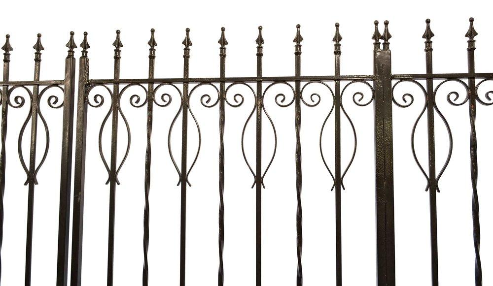 42878-iron-driveway-gate-panel-top.jpg
