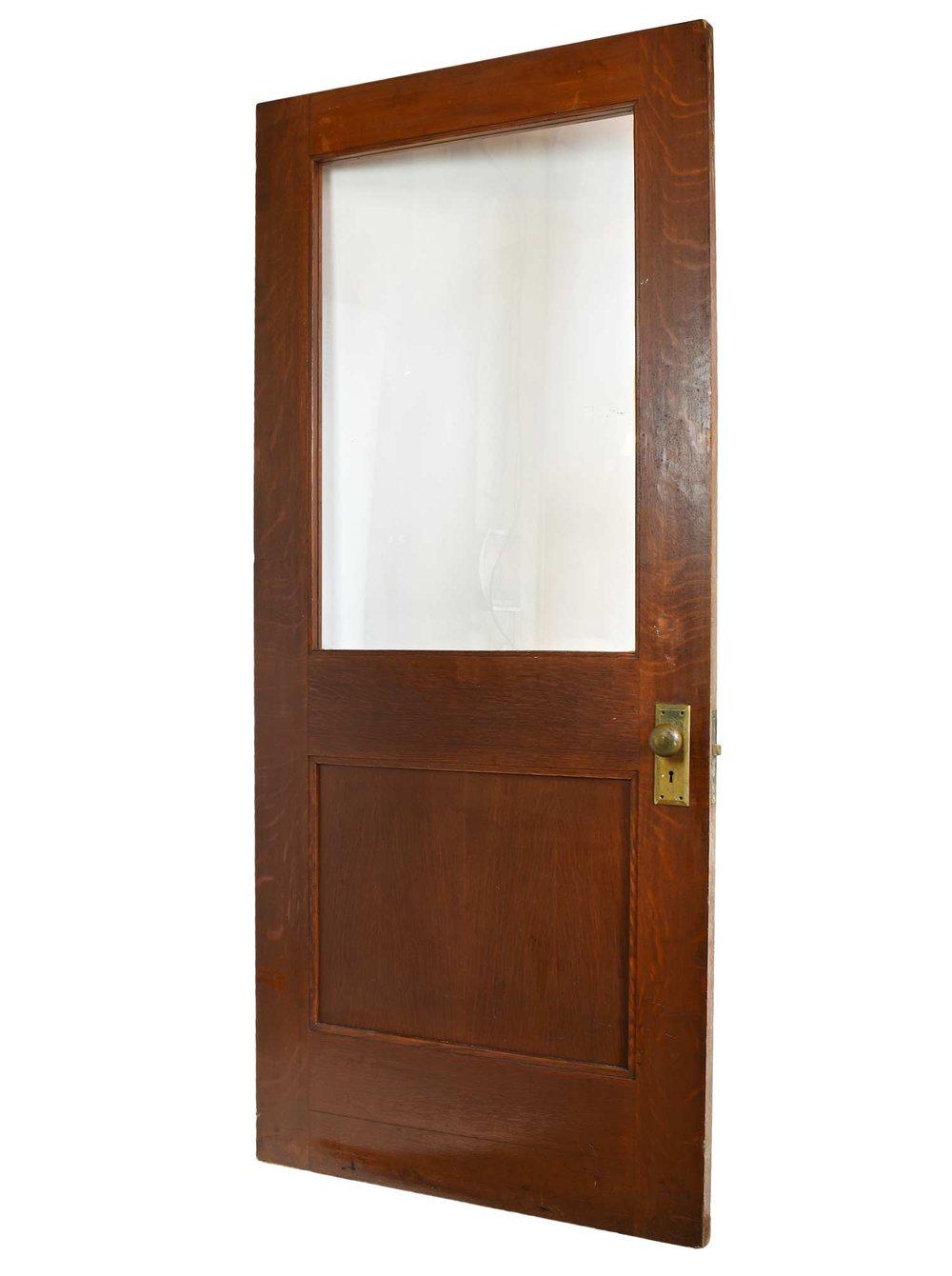 46159-wide-quartersawn-half-view-oak-door-angle.jpg