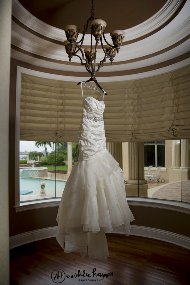 elegant wedding dress photo