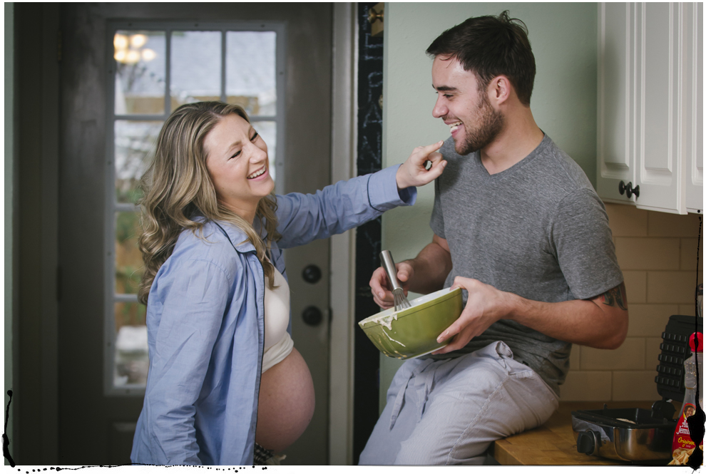 vintage kitchen maternity photos.jpg