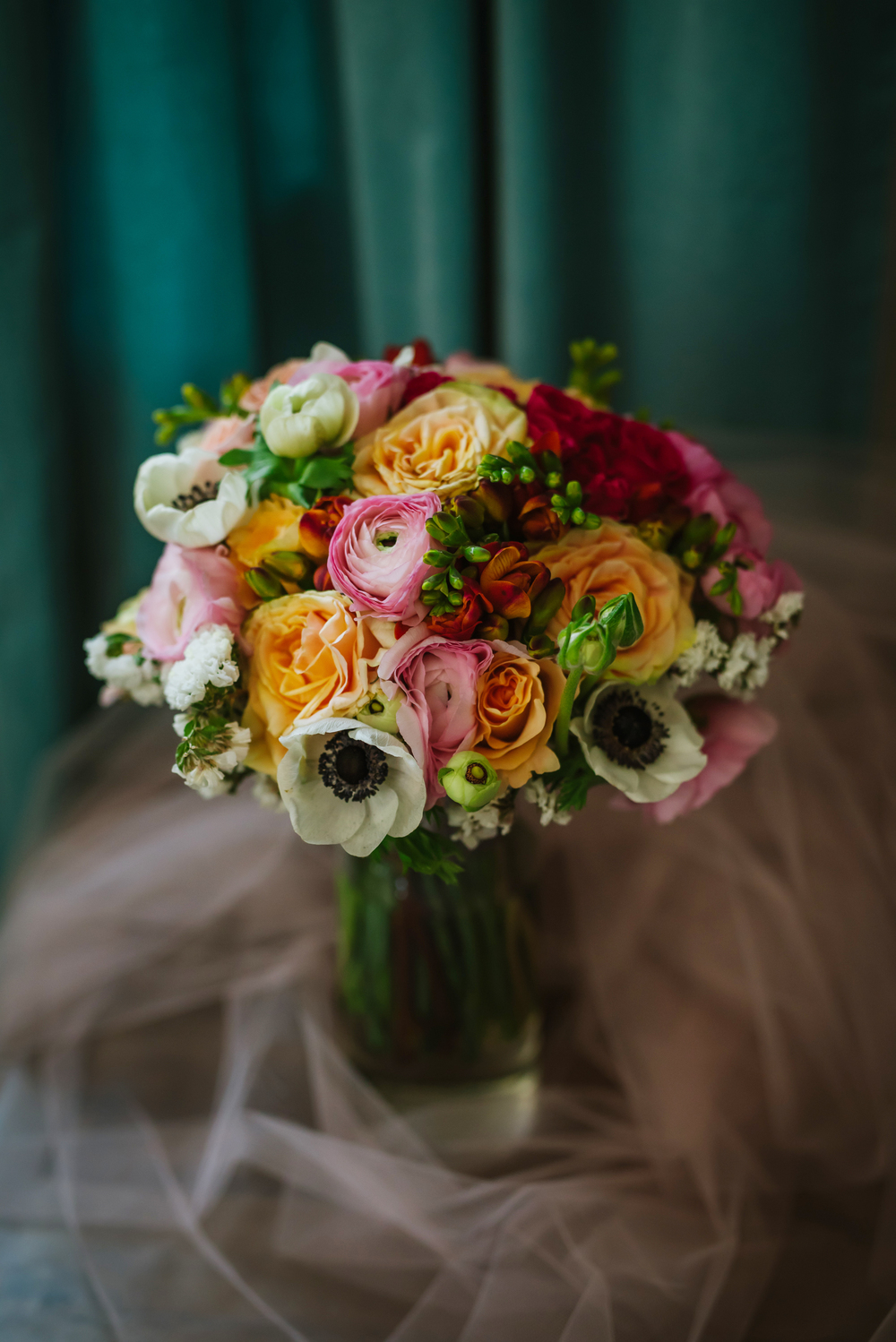 tampa-wedding-photographer-florals-bouquet-green-backyard-st-pete-saint-petersburg