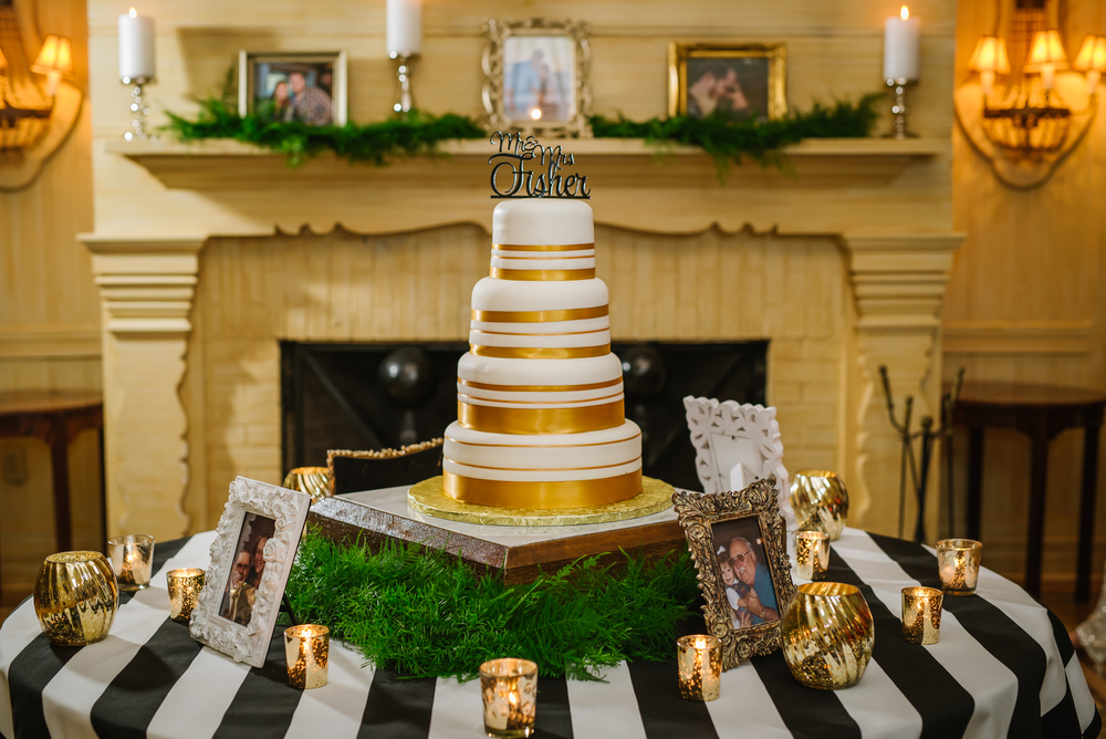 tampa-wedding-photographer-cake-gold-green-four-tier-diy-surprise-vow-renewal-historic-home