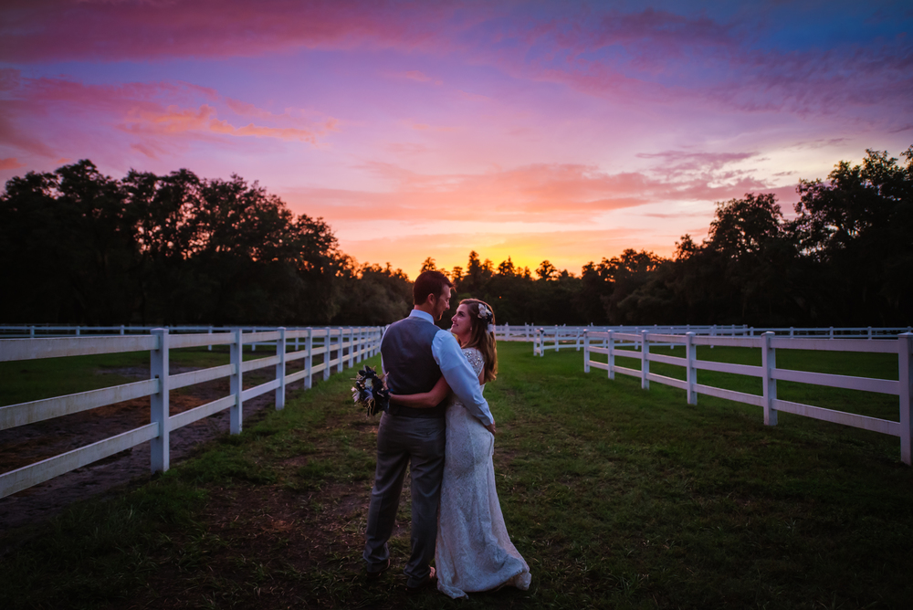 tampa-wedding-photographer-lange-farm-bride-groom-portrait-sunset-vibrant-florida