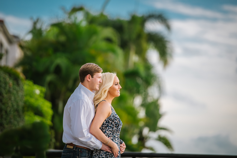 tampa-engagement-photographer-session-vibrant-stylish-romantic-green-blue-south-bayshore-palma-ceia-country-club