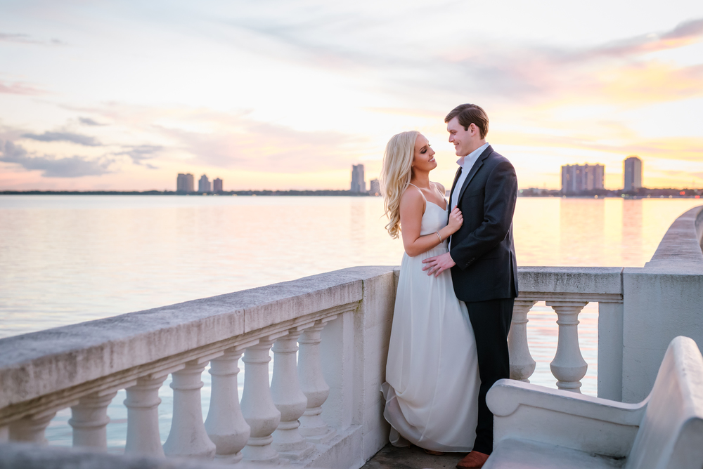 tampa-engagement-photographer-beach-sunset-romantic-stylish-modern-elegant-fancy-harbour-island-palma-ceia-romantic