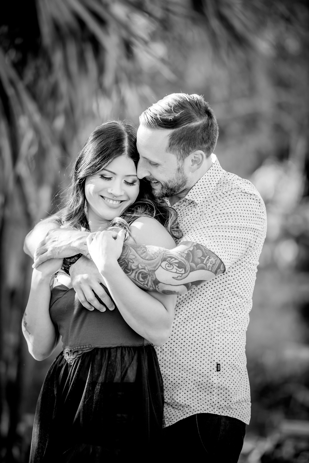 tampa-engagement-photographer-fun-vibrant-morris-bridge-outdoor-romantic