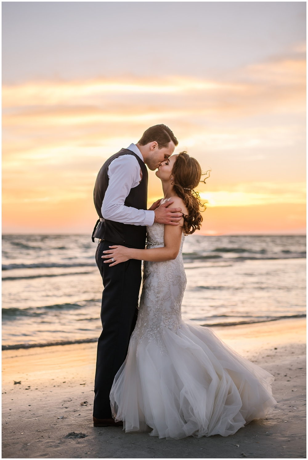st-pete-wedding-photographer-blush-romantic-post-card-inn-beach_0347.jpg