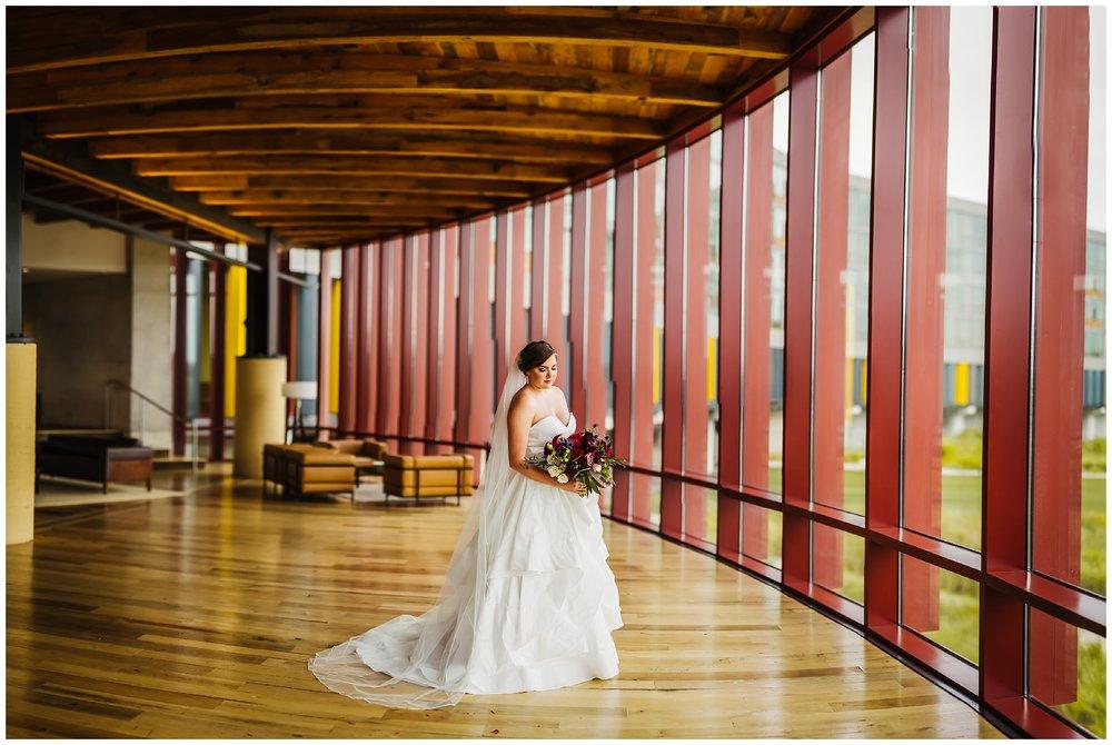 Tampa-streamsong-wedding-photographer-golf-resort-navy-blue-peonie_0060.jpg