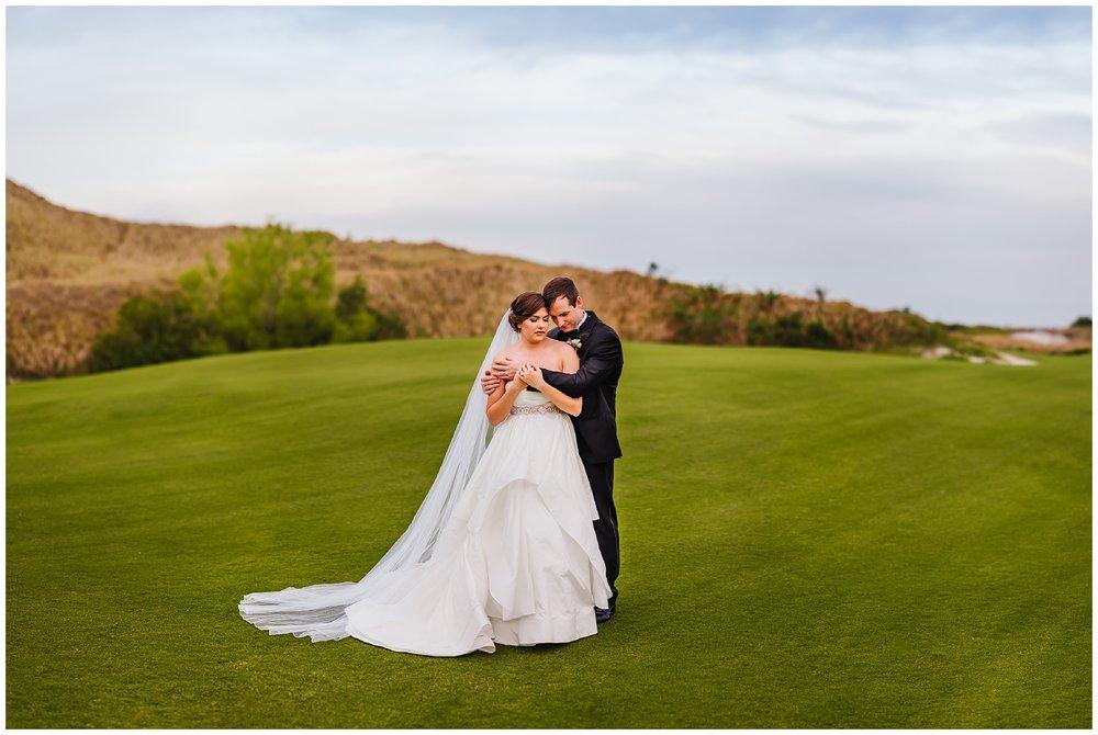 Tampa-streamsong-wedding-photographer-golf-resort-navy-blue-peonie_0086.jpg