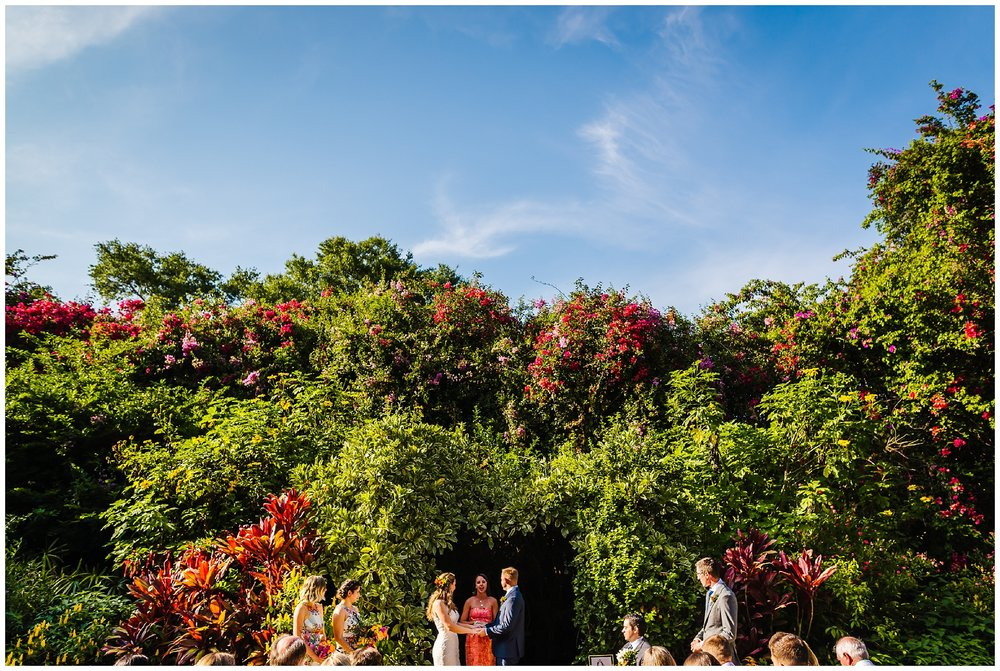 st-pete-wedding-photographer-post-card-inn-sunken-gardens-hawaiian-theme-dueling-pianos_0028.jpg