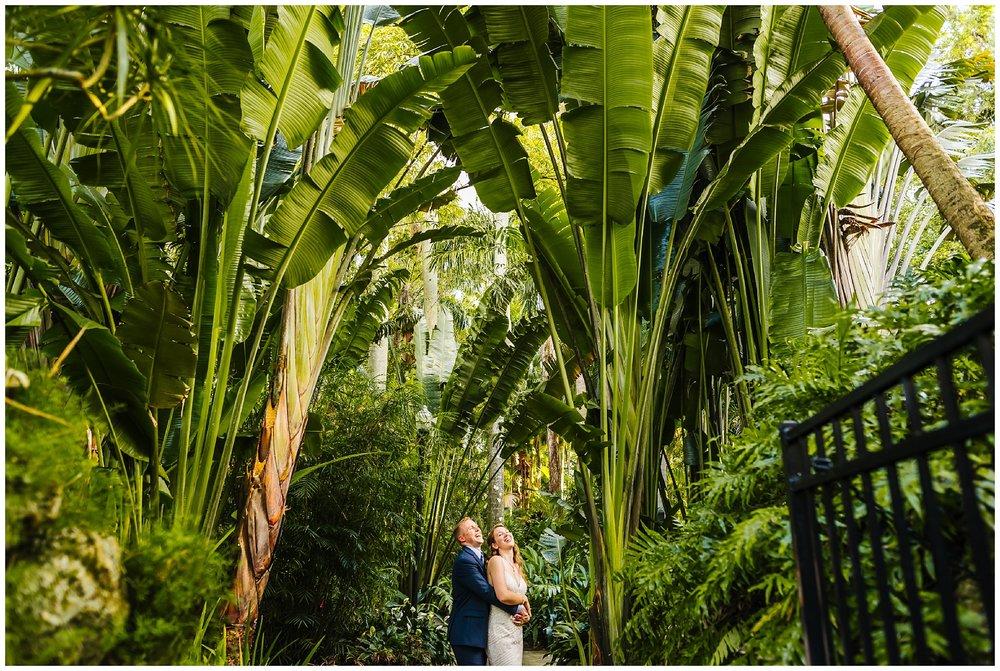 st-pete-wedding-photographer-post-card-inn-sunken-gardens-hawaiian-theme-dueling-pianos_0038.jpg
