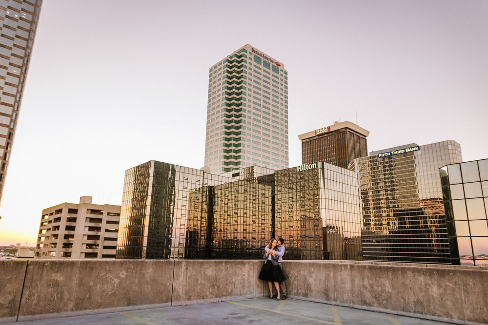 Tampa-Engagement-Photographer-Downtown-Buildings-Rooftop-Sunset.jpg