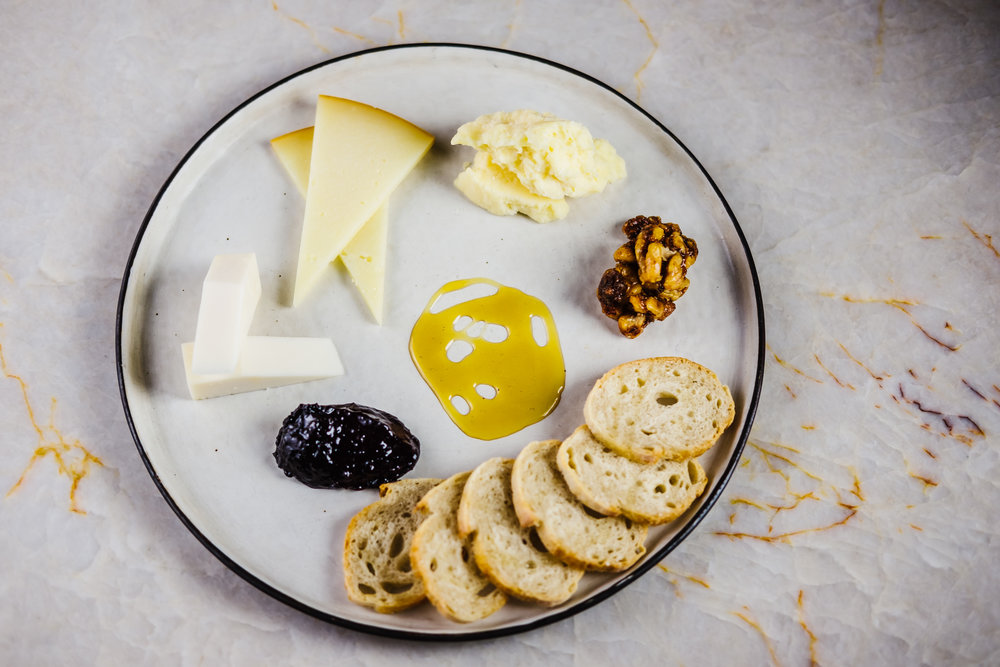 Tampa-Commercial-Photography-Food-Hotel-Bar-Cheese-Plate.jpg