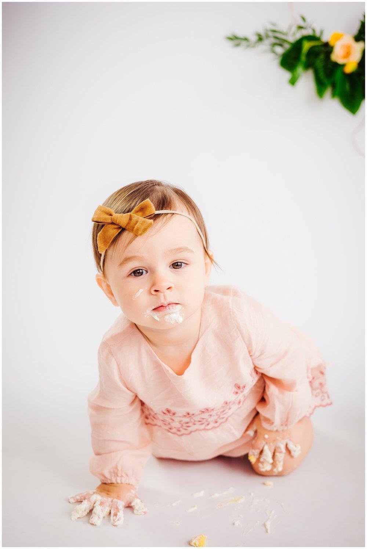 tampa-studio-portrait-photographer-seminole-heights-one-year-cake-smash-baby-boho_0011.jpg