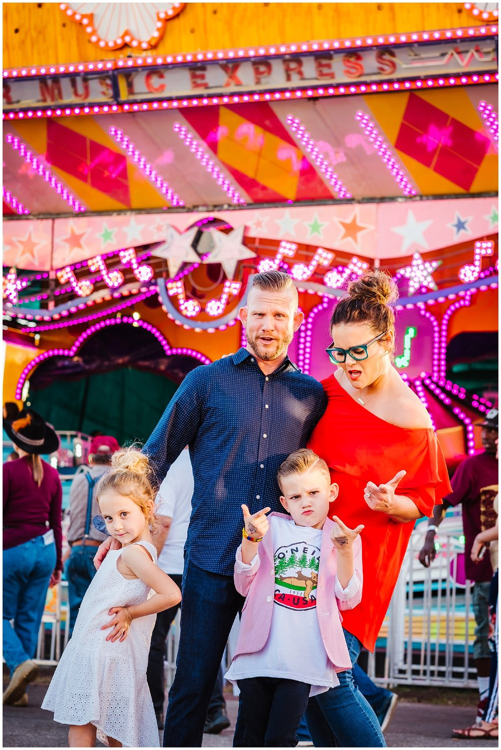 Tampa-colorful-fair-amusement park-family session_0018.jpg