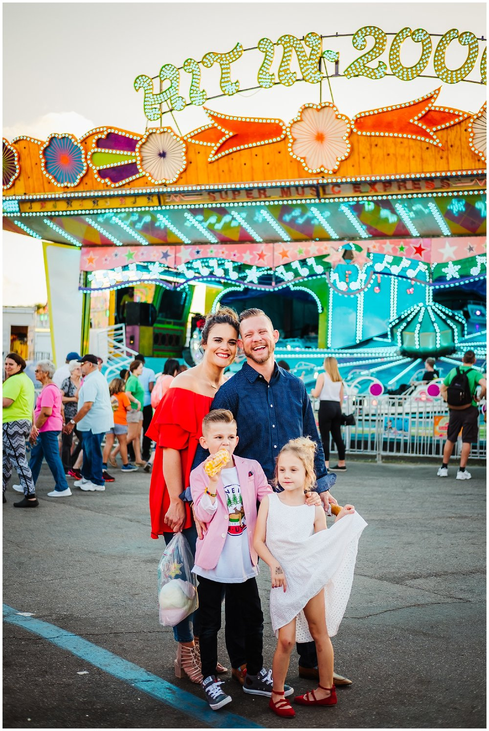 Tampa-colorful-fair-amusement park-family session_0026.jpg