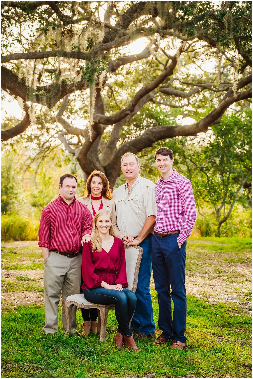 tampa-oak tree-park-holiday-gender reveal-family session_0015.jpg