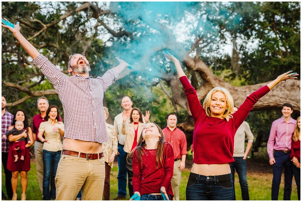 tampa-oak tree-park-holiday-gender reveal-family session_0043.jpg