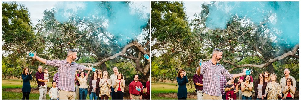 tampa-oak tree-park-holiday-gender reveal-family session_0044.jpg