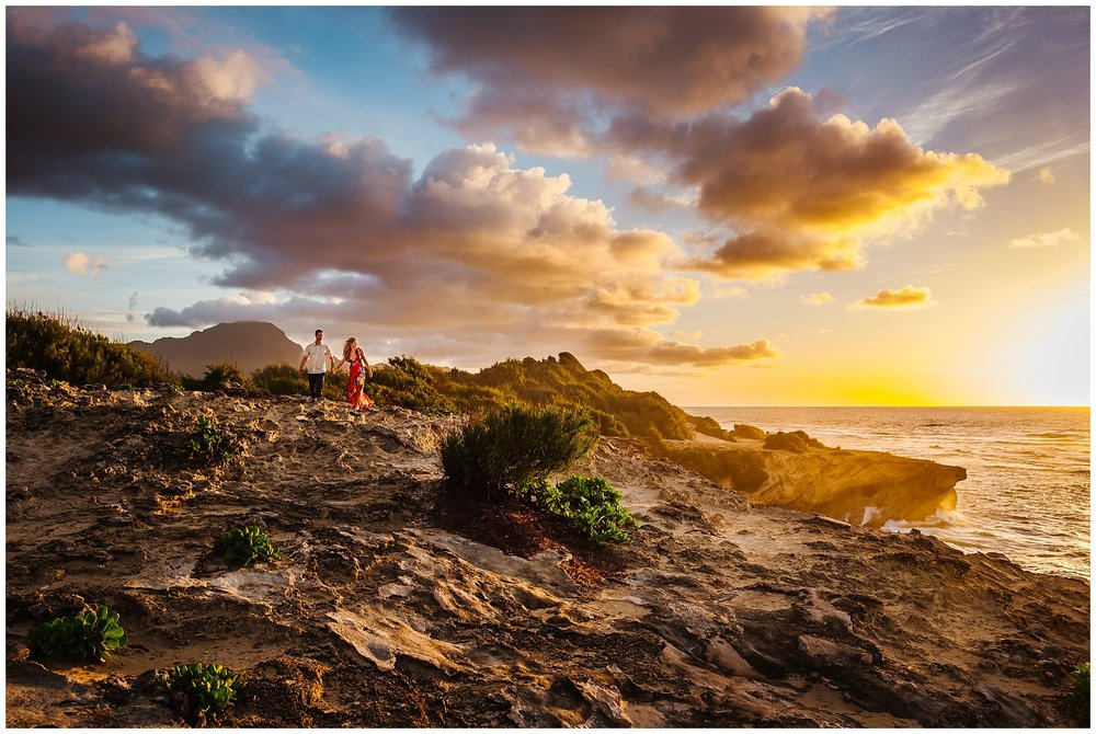hawaiin-honeymoon-sunrise-portraits-kauai-grand-hystt-destination-photographer_0007.jpg