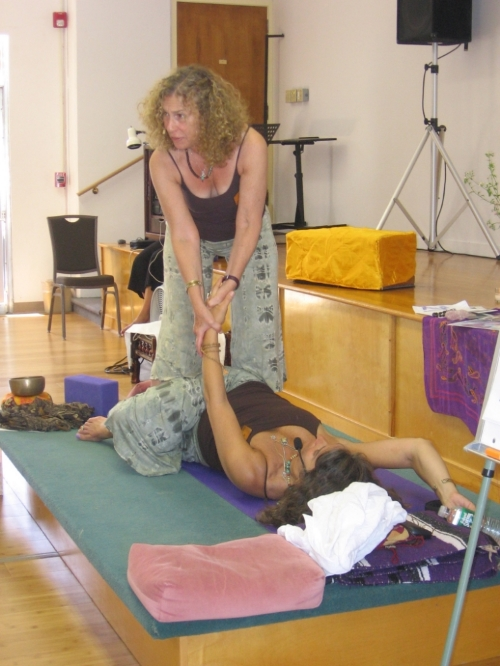 B& J Teaching Knee Down Twist KYTT '07.JPG