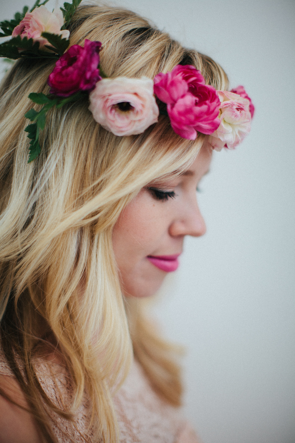 Photo by Abi Q Photography:: Florals by Mandolin Flowers  http://www.abiqphotography.com  http://www.mandolinfloral.com/