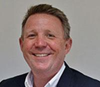 Simon Johnston(CEO)