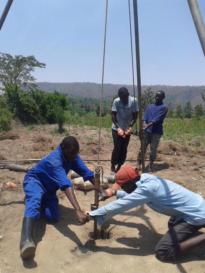 drilling well2.jpg