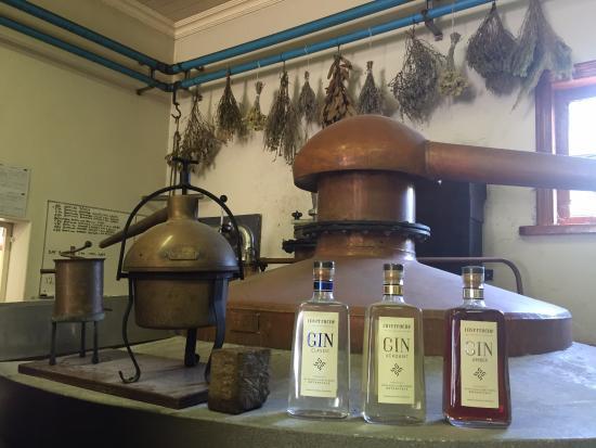 inverroche-distillery.jpg