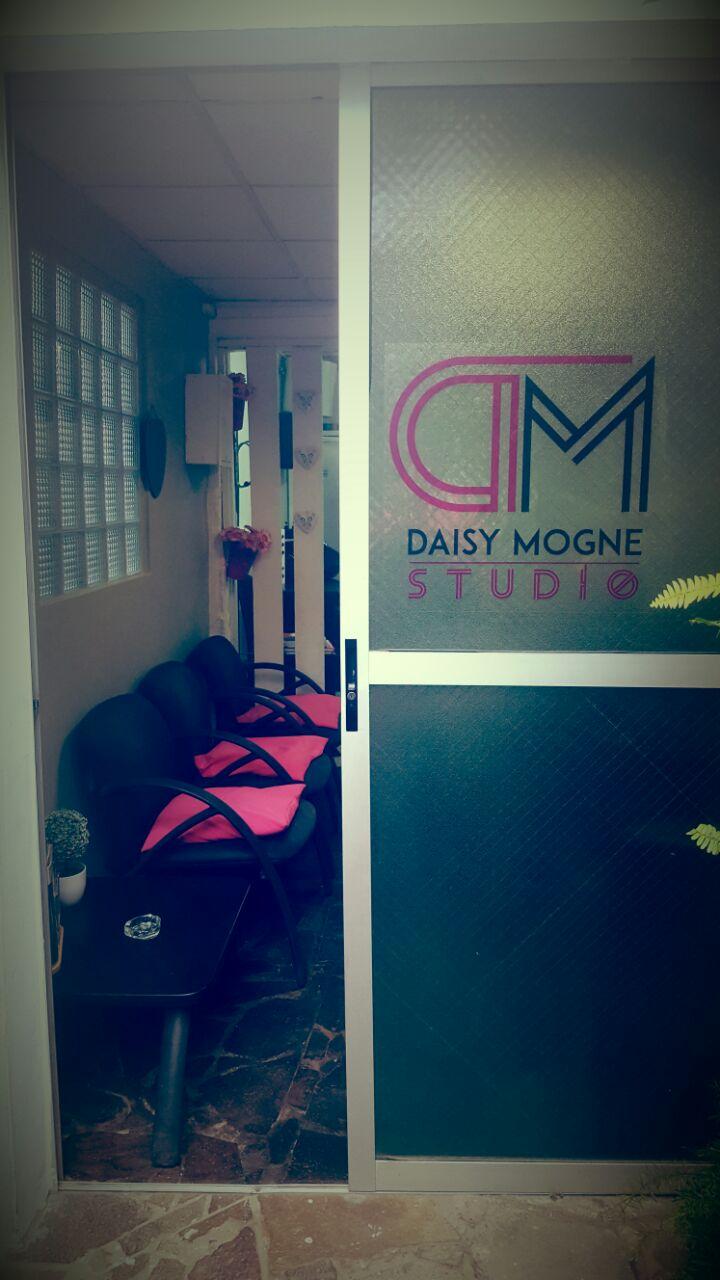 Studio Daisy Mogne 1 (6).jpeg