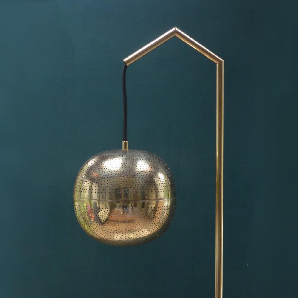 floor lamp 2.jpg