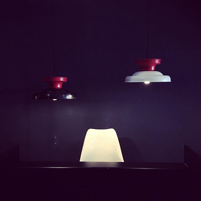 Tools You Light pendants at the receiption of the Berlin Designweek - #popcorndesign #pendants #lamp #redandwhite #kiss #lightingdesign #madeinberlin @berlindesignweek #metalspinning