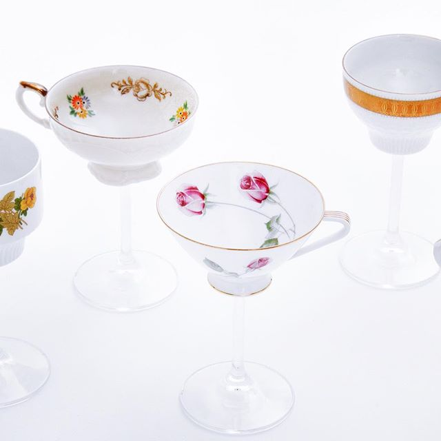 A new edition of the Flying Cups, available during the upcoming FindersKeepers market in Copenhagen - Lokomotiv værkstedet on the 10.&11. of November #finderskeepersdk #hochdietassen #reclaim #porcelain #hendricksgin #theoriginals #christmas2018 #julegave #cupdesign #cocktailglass #flyingcup #icelandicdesigner #icelandicdesign #madeindenmark